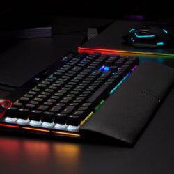 Corsair K100 RGB: review de teclado gamer